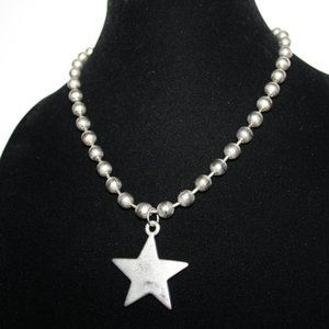 90's/00's Silver ball necklace with star 18""